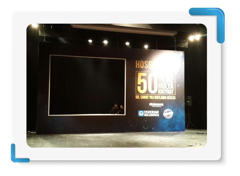 Üsküdar Belediyesi 50.Yılı Hülya Koçyiğit Sanat Yılı Kutlaması Sahne Backdrop