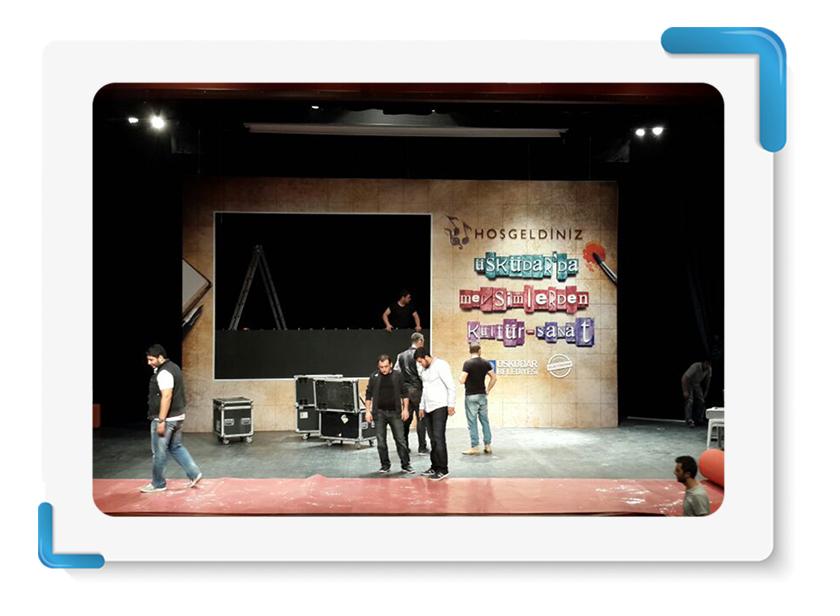 Üsküdar Belediyesi Mevsimlerden Kültür Sanat Sahne Backdrop